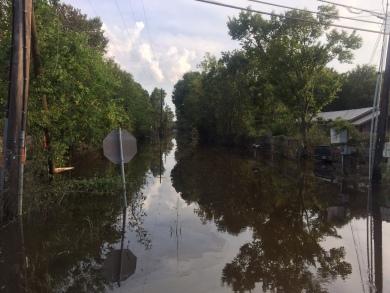 17-18_JVsInService_Ella Keenan Carly Jenkinson Beaumont TX support flood
